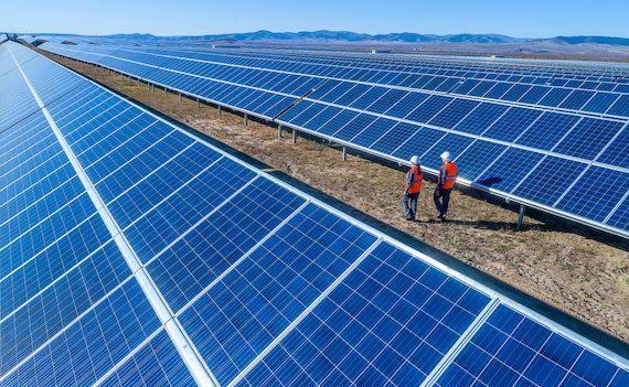 l'énergie solaire est une priorité pour l'administration Biden